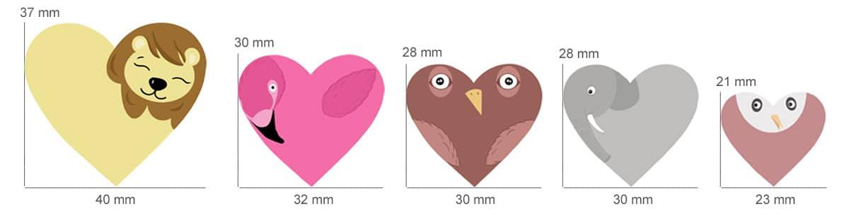 Navnelapper formet som hjerter, designet av Fam Irvoll